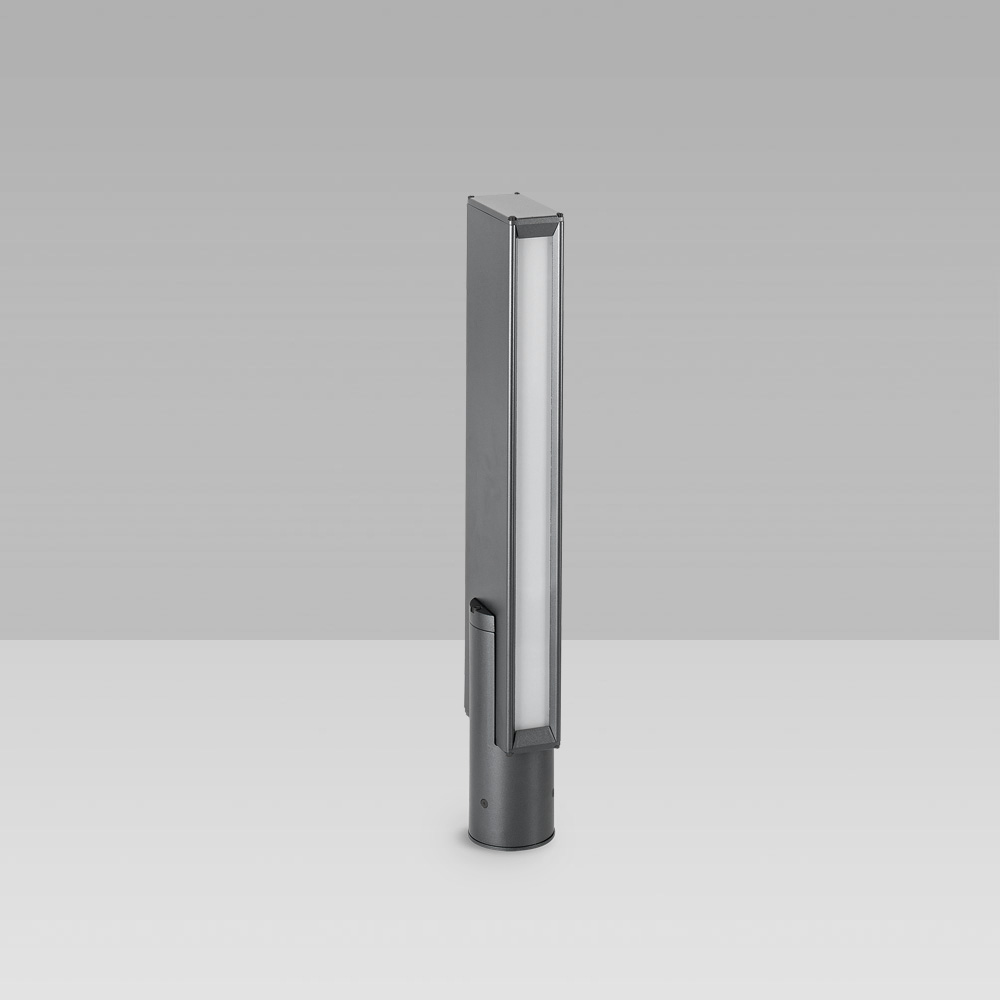 Bollard light for outdoor lighting with a geometric design and monodirctional optic for a precise lighting with high visual comfort